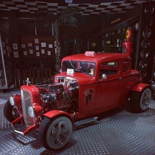 Meet Cherry Bomb. 32fivewindow Ford32 HotRod