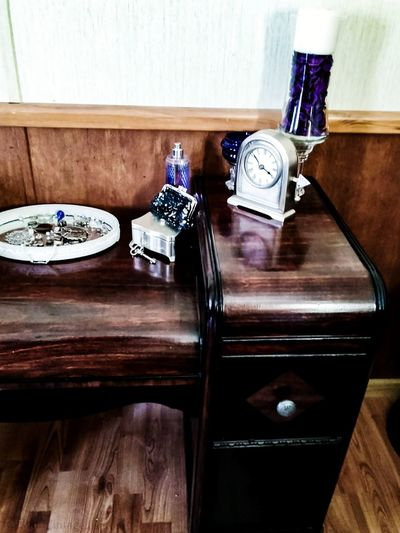 Shades of violet.. Art Deco Style Art Deco Furniture Vanity Waterfall Vanity Antique Furniture Restoration Old Wood Purple Silver Clock Jewelry Art Deco 1930s Vintage Furniture Vintage Furniture Restoration Aged Wood Aged Beauty Timeless Timeless Beauty Still Life Still Life Photography The Still Life Photographer - 2018 EyeEm Awards Perfume Sprayer Luxury Home Interior Domestic Room Wood - Material Hardwood Floor Household Fixture Drawer Dresser EyeEmNewHere