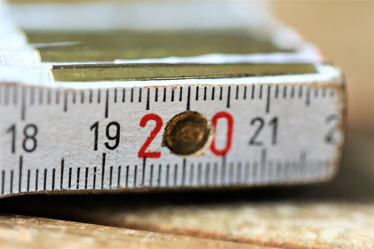Indoors  Accuracy Still Life Communication Instrument Of Measurement Number No People Selective Focus Close-up Focus On Foreground Single Object Measuring Western Script Tape Measure Studio Shot Day Equipment Dieting Text Thermometer Weight Scale