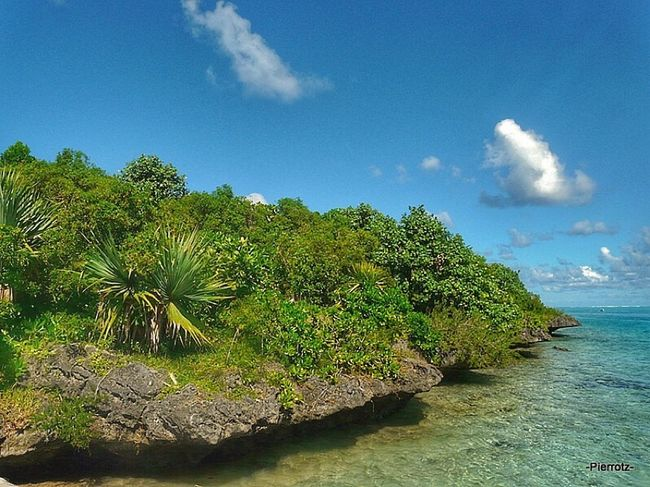 A chunk of Mauritius Sunset #sun #clouds #skylovers #sky #nature #beautifulinnature #naturalbeauty #photography #landscape Water_collection Green Isle Mauritius
