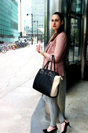 Sophistication Style Professional Working Woman city life