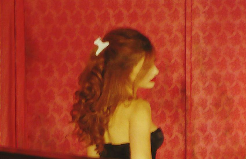 Gangsters Paradise, Hairclip Bordello Lola Redhead Onset