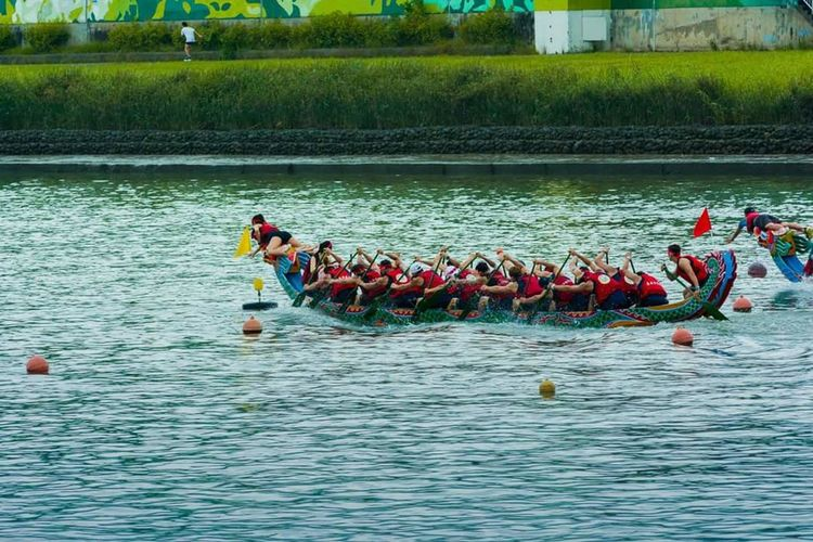 An interesting race when the winner came from behind. It is not over untill it is done. I really enjoyed shooting the race. I think I cheered for them while shooting lol. Taken during the celebration of Dragon Boat Festival 2016 in Taipei, Taiwan. Dragonboat Dragonboatfestival Dragonboatrace Sports Race Win Winner Victory Victor Win From Behind Adventure Club Adventure Celebration Neversaynever Keepfighting Stopwhenyou'redone Goal Finish Line  Comeback Is Real Adventure