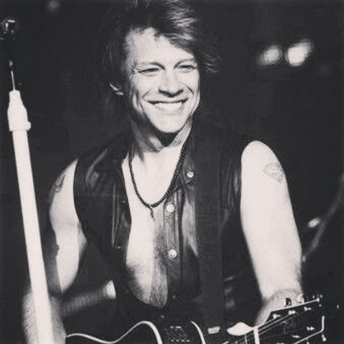 Bonjovi Jon Bon Jovi becausewecan tour today madrid Calderón music rock handsome guitar instamusic likeforlike