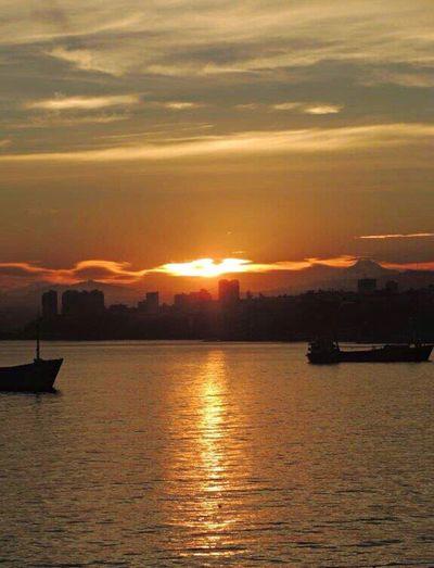 Good Morning Sunrise Sunrise Silhouette Sunrise Dawn Sunrise_Collection Sunrise And Clouds Sun Reflection On Water Sky And Clouds Silouette & Sky Mountain Range Ships At Sea Bay Of Valparaiso Sunrise From My Office Window