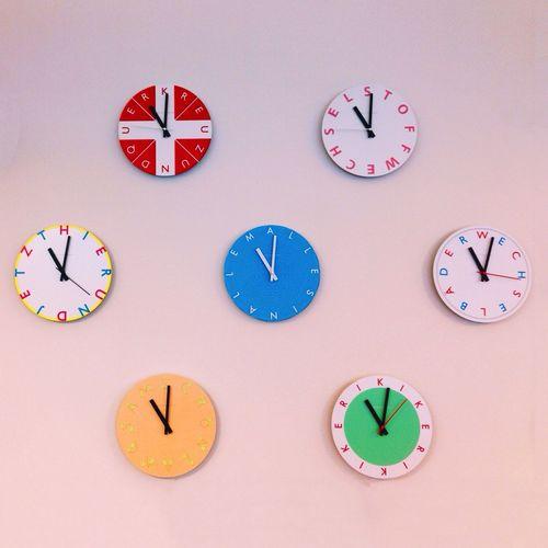 IPSMinimalism Watch The Clock