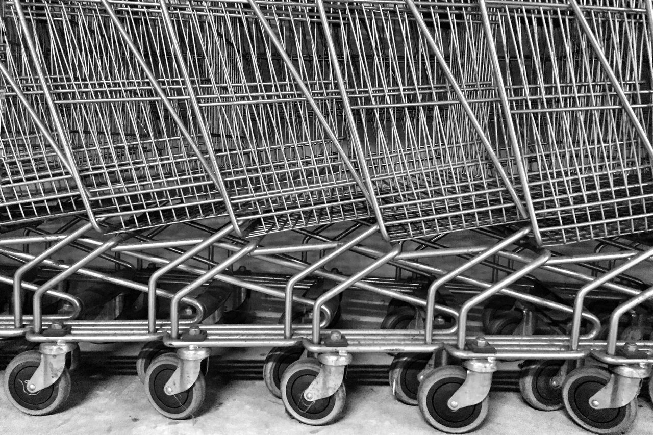 metal, shopping cart, trolley, no people, large group of objects, day, outdoors, close-up, supermarket