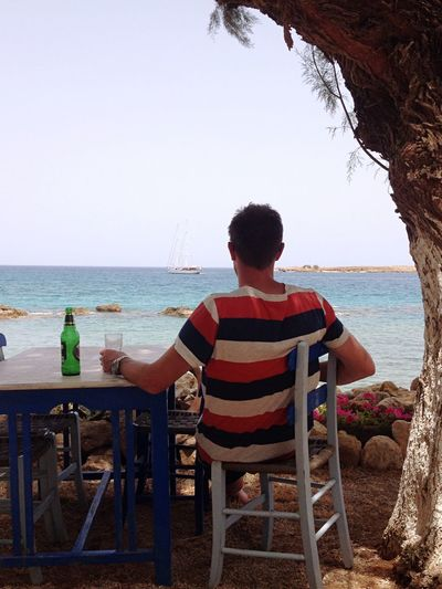 Travel Traveling Greece Blue Blue Sky Beer Water The Portraitist - 2016 EyeEm Awards Pastel Power Vacation Family Boat Man And Sea Medeterian Mediterranean  Sailboat Sail Sailor Realaxing Summer The Essence Of Summer Ocean View Oceanside Lonely Lunch Break