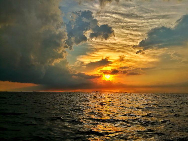 Emotional Hour Sunset Sea Sun Dramatic Sky Nature Cloud - Sky Horizon Over Water