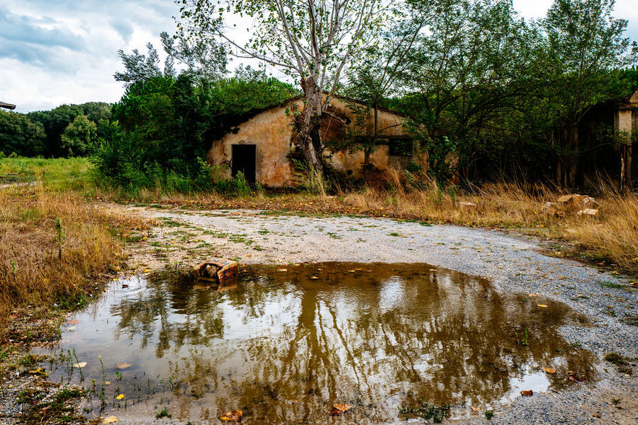 Architecture Building Exterior Built Structure Damaged Day House Italy Lost Places Lostplaces Nature Non-urban Scene Old Outdoors Reflection River Riverbank Scenics Sky Stream Tirrenia Toscana Tranquil Scene Tranquility Tree Water