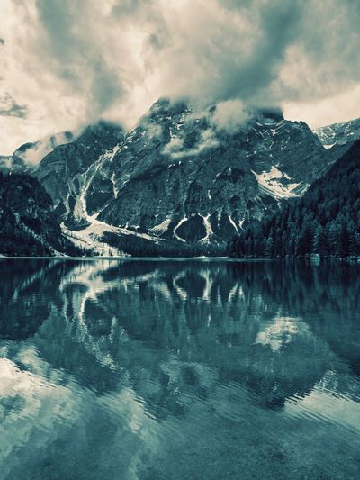 Water Beauty Cloud - Sky Water Sky Beauty In Nature Scenics - Nature Reflection Tranquility Mountain Tranquil Scene Nature Cold Temperature Lake No People Outdoors