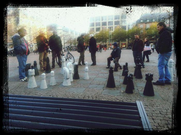 oerlikon, die alten schachmännli und die leicht nervenden theostudis...