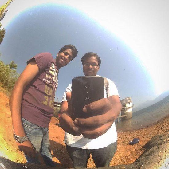 When it gets too wide angled! Selfie Selfiediary Picoftheday Leedal Crazyass Nairobi Moto Chromesurface Mirror Awesometrip AwesomeDay Colors Nofilter