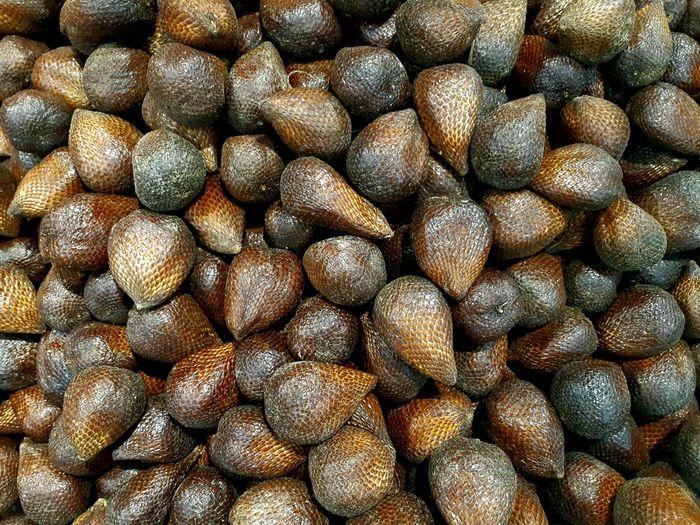 Full frame shot of fresh snakefruit