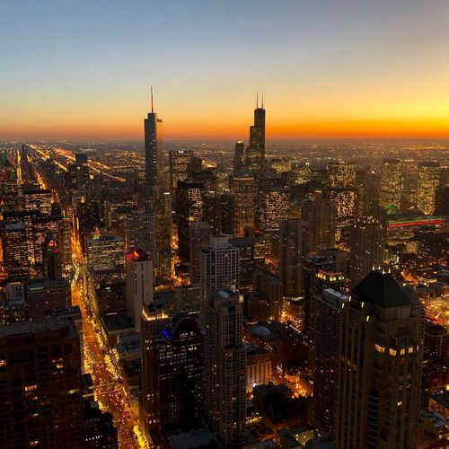 Chicago by Night Tower And Sky Towers Wolkenkratzer Lights Lichter Colors Himmel Sky Sunlight Sun Sonne Sonnenuntergang Skyline Chicago Building Exterior City Architecture Built Structure Sky Cityscape Building Sunset Outdoors Tower Urban Skyline
