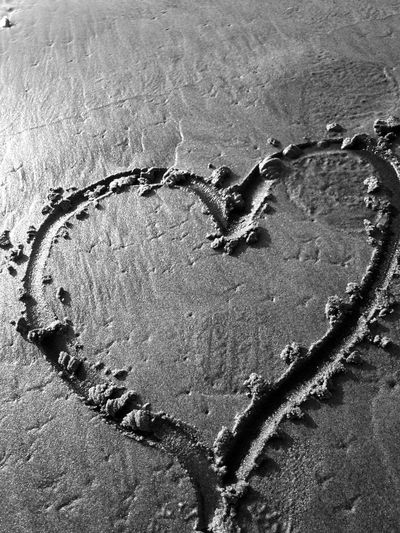 Heart in the sand Black And White Heart Black And White Heart In Black And White Sand Heart On The Bea Heart Heart Drawn In The Sand Heart In The Sky Heart On The Beach Sand Heart