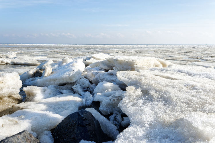 Ice and iceberg in the ocean Water Sea Nature Ice Iceberg Beach Photography Strand Coast Coastline Küste Shore Cold Temperature Winter Storm Eis Eisschollen Freezing Ocean Meer Horizon