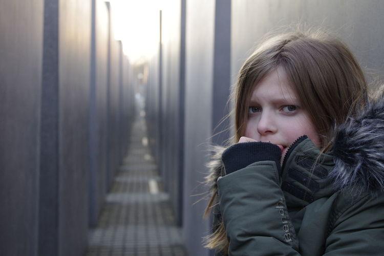 Holocaust Denkmal Berlin Nachdenklich Skepticism Child Dark Place Capture The Moment