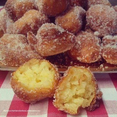 Frittelle! The recipe is now up on my blog @solozuccheriacolazione.altervista.org Frittelle Carnevale Ricette Dessert
