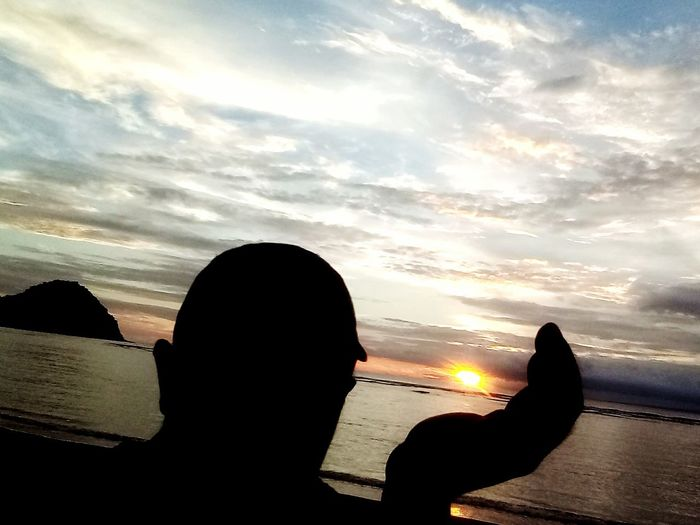 Gold in the middle of the ocean Sumbawa Barat-Indonesia Sunset Sunset_collection Amazing Creature Wonderful Nature Amazing View Amazing Place Nature Photography Kertasari Beach Silhouette Cloud - Sky Adults Only Water Adult Sunset People Men Beauty In Nature Outdoors Beach Day Scenics Nature