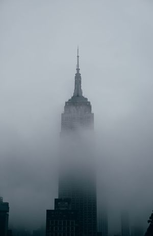 The Empier State Building in fog. Foggy Building New York City Photos New York City New York Empier State Architecture Fog Built Structure Skyscraper Travel Destinations Building Exterior Weather Travel Outdoors Day Urban Skyline City