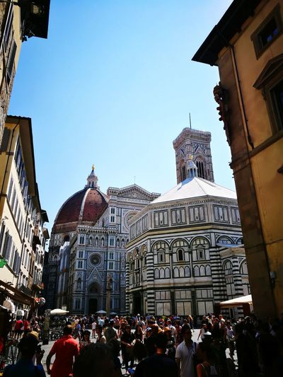 Italy Ancient Ancient Wall Ancient Architecture Sun Community Outreach Community Urban Florence Florence Italy Firenze Duomo Di Firenze Politics And Government City Flag Government Sky Architecture Building Exterior Built Structure Palace Dome Cathedral Cupola Town Square Historic