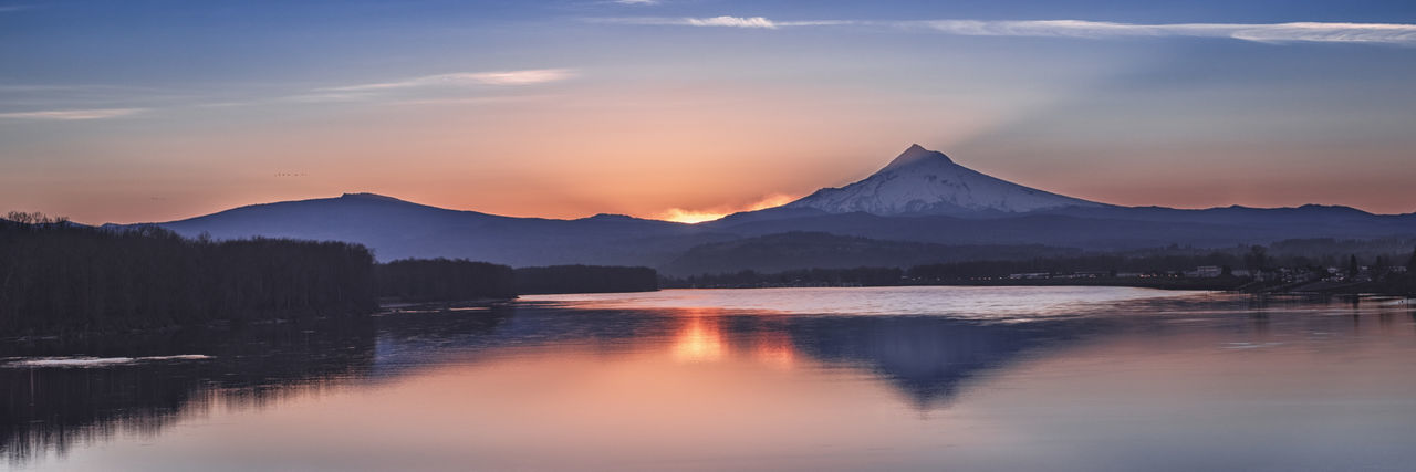 Mount Hood, Columbia river, near Portland< Oregon, USA. Columbia River Mount Hood Oregon Portland Beauty In Nature Idyllic Lake Mountain Mountain Peak Mountain Range No People Reflection Scenics - Nature Sky Snowcapped Mountain Sunset Tranquil Scene Tranquility Water Waterfront