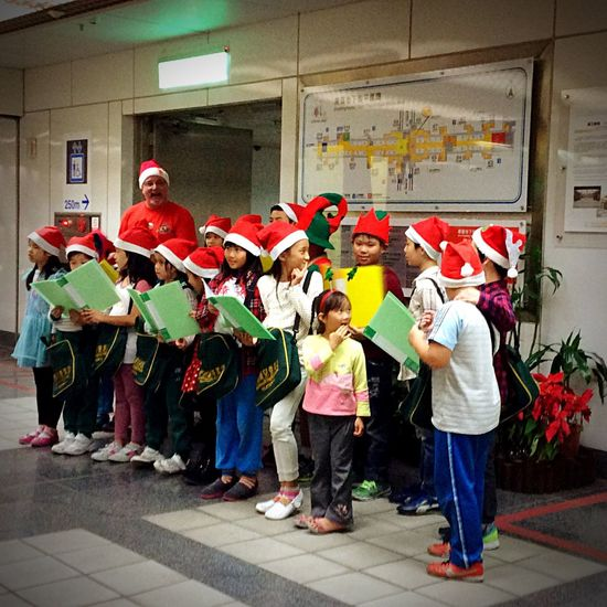 Christmas Around The World A group of angels were singing Christmas out in a metro station.😊💐🎄