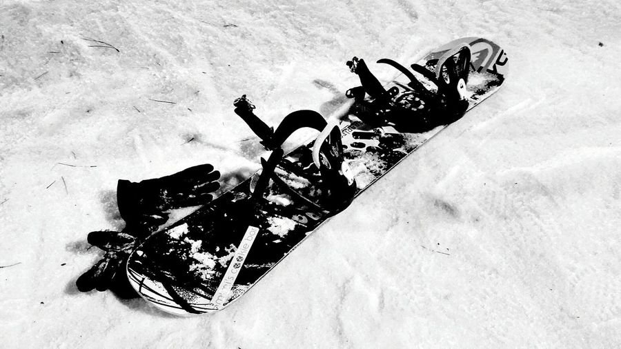 It's Cold Outside Snowboarding Snow ❄❄ Learning Justabeginner Having Fun It's Nice Snowboard Snow Gloves Funtimes GreatNight  Taking Photos Black & White Celebration Newyear2016 Mobilephotography Showcase: January