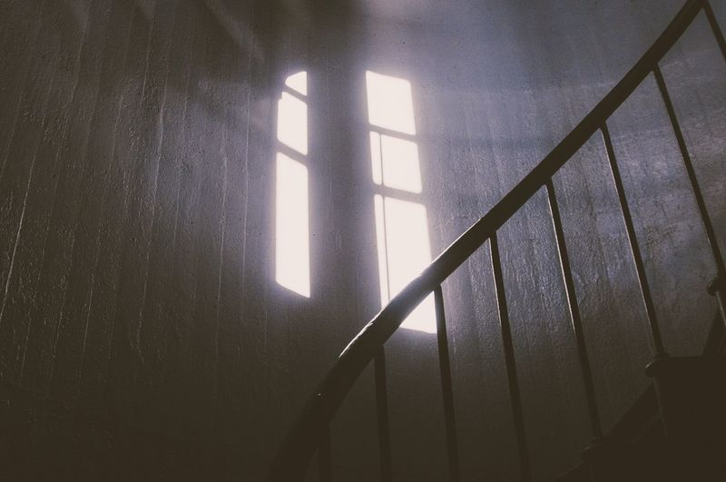 Breathing Space Shadow Indoors  Window Sunlight Home Interior Day No People Close-up Architecture Copy Space Indoors  Chasinglight Winter Light 17.62°
