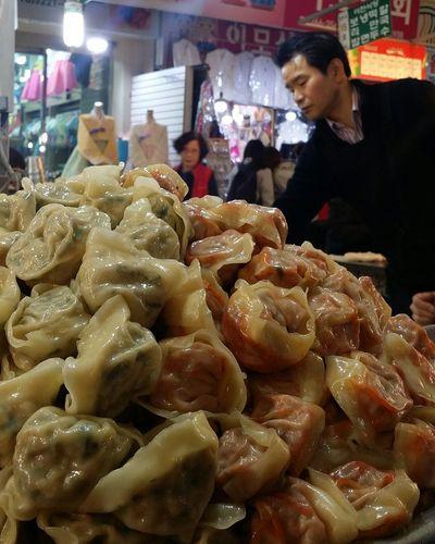 Mandu Dumplings Foodphotography Kwang Jang Market Kr_streetphotography Seoulstreetphotography Streetphotography Jogno-gu Seoul South Korea Seoulspring2017