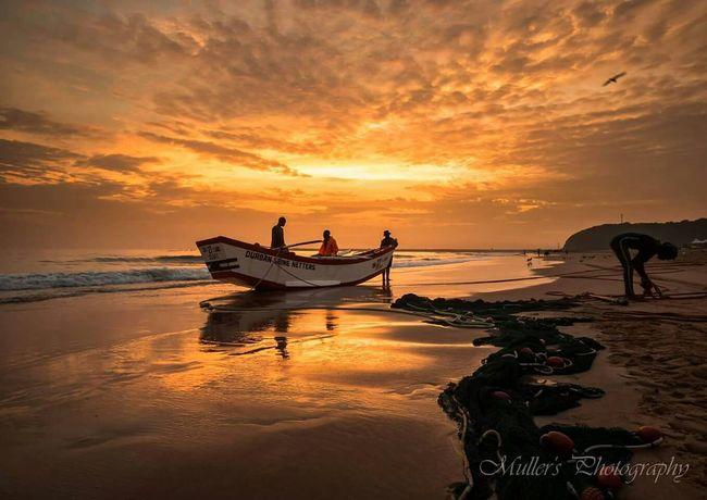 BoatSeaside Seascape Beach Sunrise Sea And Sky Kzn Clouds Breaking Dawn Moyo