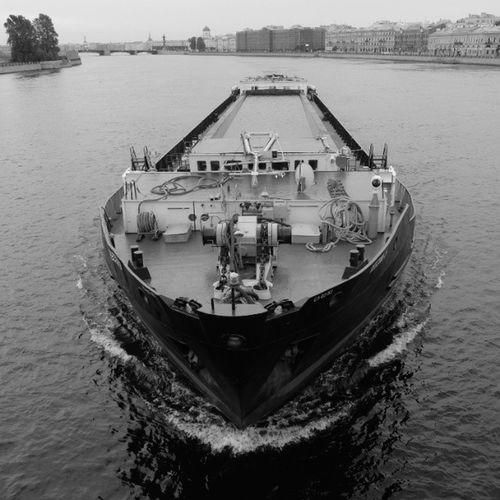 графично баржа тучковмост чернобелое спб петербург чб stpetersburg ship graphically neva blackandwhite bnw vk bnw_society fujifilm_xseries fujifilmx20