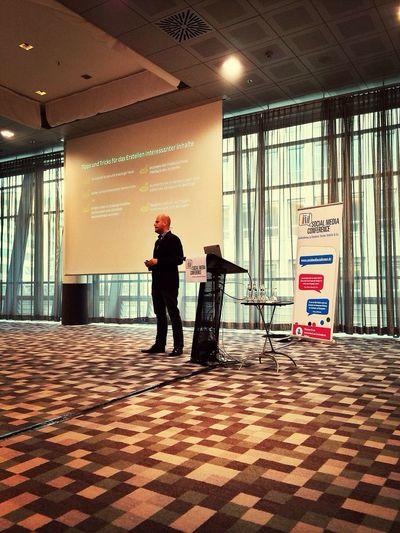 …here's @facebook's SMB Marketing Manager! ⇢ Arne Henne talking #FB Basics at SMConf [Die Kleinen kommen!]