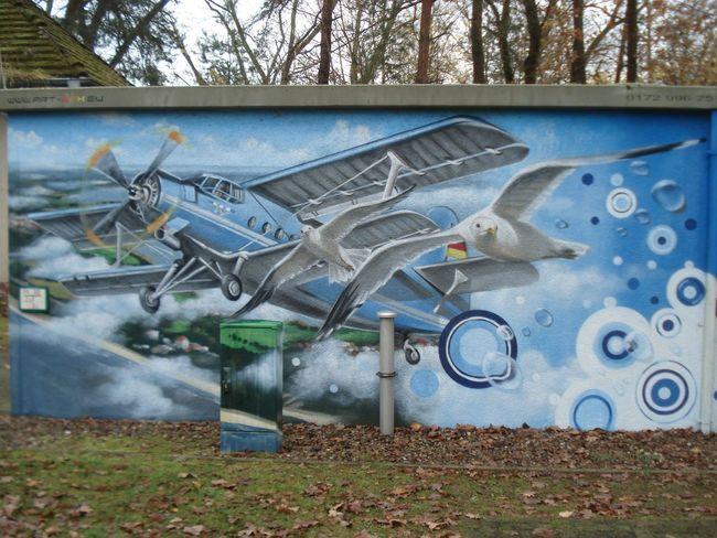 Antonow Doppeldecker Flughafen Heringsdorf Flugzeug Gmälde Kunst Im öffentlichen Raum  Möwen Portrait Usedom Ostsee Airport Art Paintings On The Wall