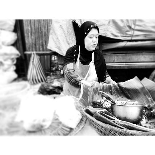 -SUBURBAN STREET- Traditional food maker (pecel ndeso) Surakarta INDONESIA