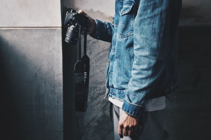 Casual Clothing Midsection Jeans One Person Real People Men Standing Low Section Refueling Holding Lifestyles Gas Station Day Gasoline Fuel Pump Technology Outdoors Human Hand Close-up One Man Only Nikon 一眼レフ 一眼 Beauty In Nature Sea