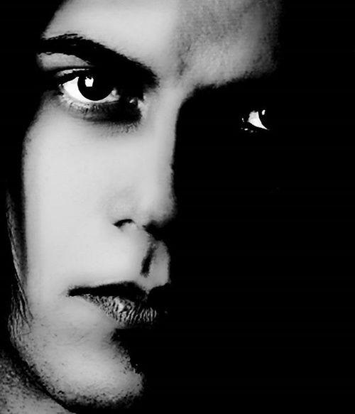 برای_آینده فرقی نمیکند، زیر رگبار توپخانه ی دشمن باشی، یا فریاد های معشوقه ات، جنگ! جنگ است. سامی تحصیلداری شعر_سپید شعر شعراء سامی سامی_تحصیلداری Poem Poems Poet Pool Pop Loveit Lovely Lovehim Lovers Sami Samitahsildarii Tahsildari