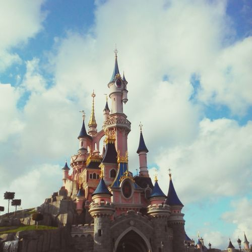 Disneyland Paris. Disneyland DisneyWorld Disneyland Paris Enjoying Life Taking Photos Hello World Instagram Love ♥ Like A Child Happiness