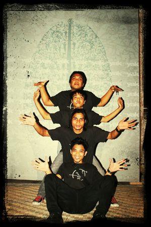 balinese dance,.maybe!!!