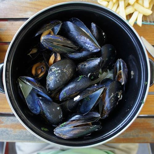 Moules et frites, one of my favorite meals. Seaside in France. Moulesfrites Dinner France Sony Sonynex5 Mirrorless 55nphotography