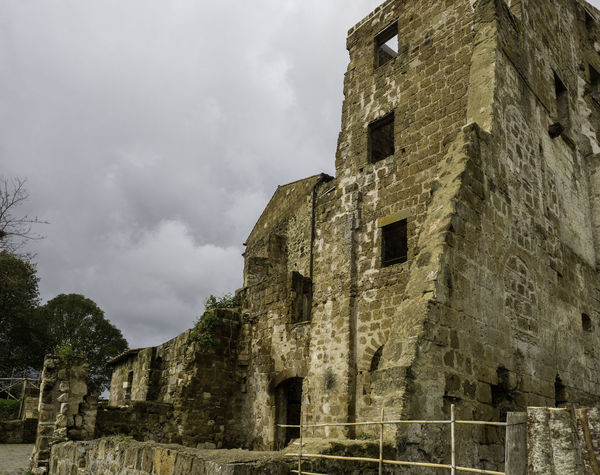 EyeEm Best Shots Abandoned Ancient Ancient Civilization Archaeology Architecture Building Building Exterior Built Structure Cloud - Sky Damaged Day History Low Angle View Nature No People Old Old Ruin Outdoors Ruined Run-down Sky Stone Wall The Past Weathered