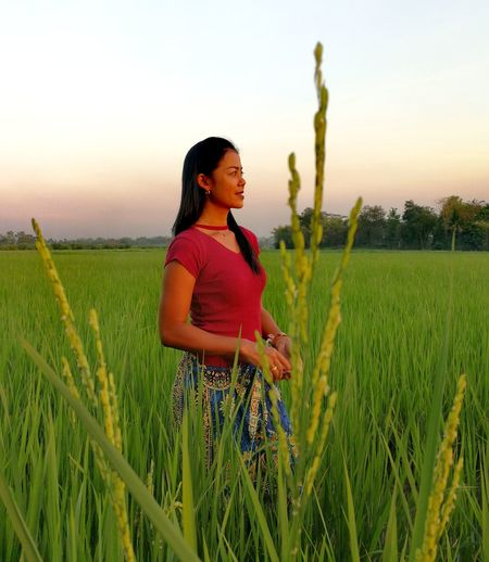 Women Woman Field Green Color Portrait Thailand🇹🇭 2018 Real People Only Women Growth Farm Outdoors Sky Nature Plant Growth Beauty In Nature Tranquility Nature Front View Close-up Beautiful One Woman Only Farmer Grass EyeEmNewHere