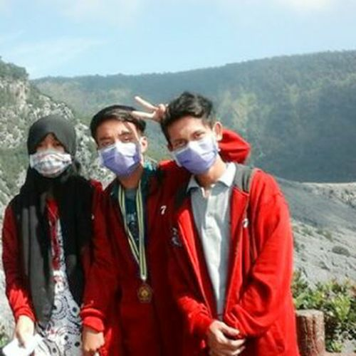 We always together friends Leisure Activity Lifestyles Standing Friendship Mountain Togetherness Young Women Person Nature Beauty In Nature Casual Clothing Sky Outdoors Young Adult In Front Of Mountain Range Friend Tranquility Non-urban Scene Mask - Disguise Happly First Eyeem Photo