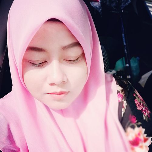 About love Young Women Pink Color Human Face Veil Females Spirituality Headshot Traditional Clothing Close-up Pink Lipstick  Lip Gloss Lipstick Eye Make-up Mascara Hijab Eyelash Facial Mask - Beauty Product Blush - Make-up Religious Dress Human Lips Make-up Red Lipstick Eyeliner My Best Photo