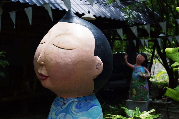 Statue Bighead