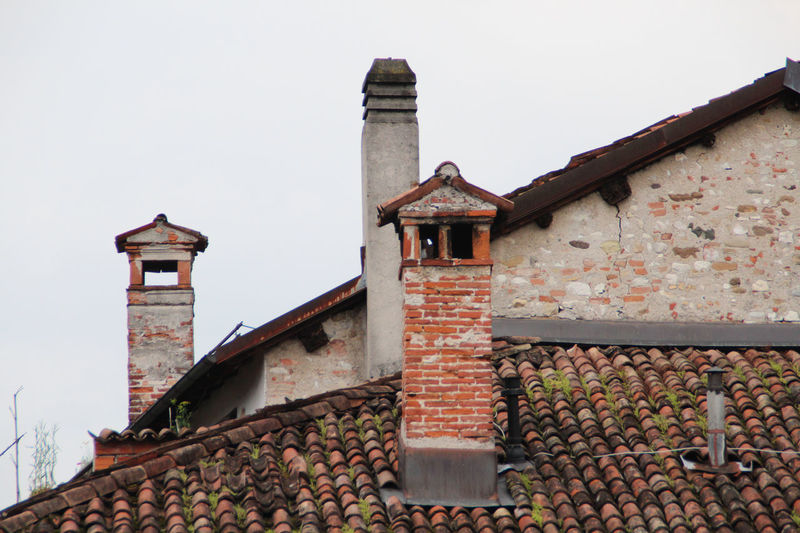 Brick Brick Wall Building Building Exterior Chimney Detail Detail Of Facade Detail Photography Details Of Nature House Italy Italy❤️ Roof Roofs