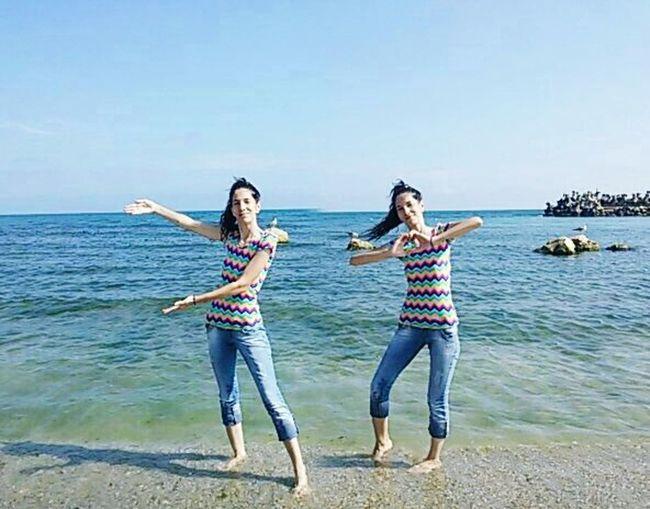 Sisters♡ me Sea Me.☺ Enjoying Life Enjoying The Sun Blacksea Sea And Sky Twins