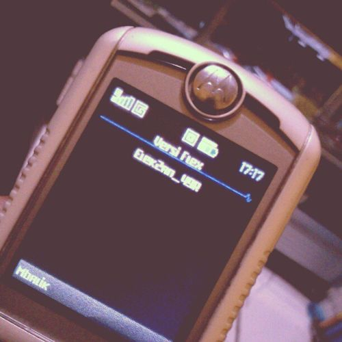 Masih ada aja Elek2an 49r user E398 Motorola @rio_aristiar
