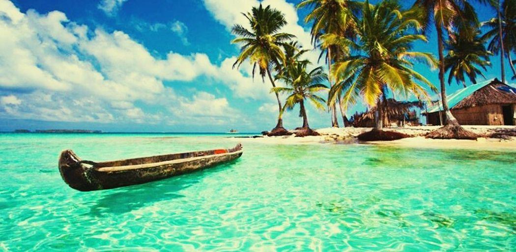 Los islotes del Caribe Blue Sea